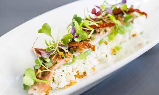 Anguila ahumada con ricotta, plato de Bacira