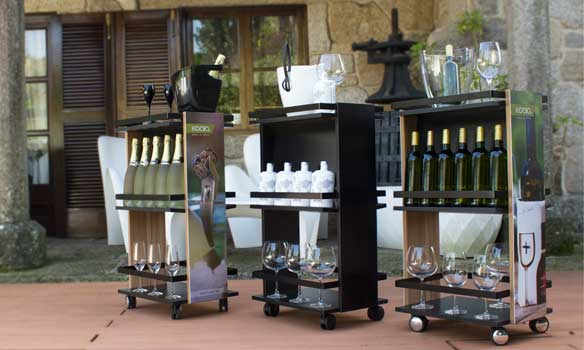 Minice Bar, un carrito compacto y móvil para servir bebidas. De Koala