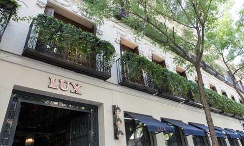 Fachada de restaurante Lux Madrid