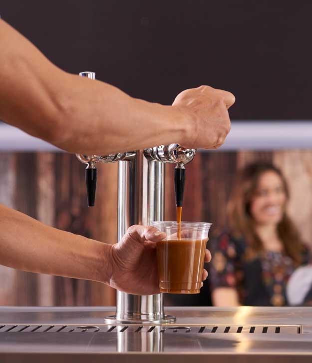 N2Fusion dispensa el café filtrado frío y nitrogenado