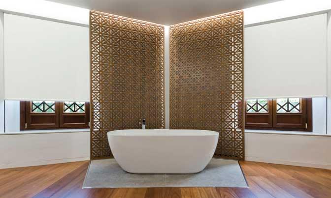 Estores Saxun en una suite del hotel Alhambra Palace