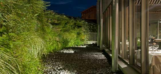 Jardín vertical de Air Garden en el exterior del restaurante del hotel Araba, en Vitoria-Gazteiz