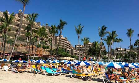 Playa y hoteles en Canarias