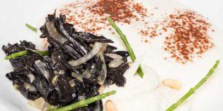 Capuccino con trompetilla de la muerte, receta de Enrique Medina (restaurante Apicius)