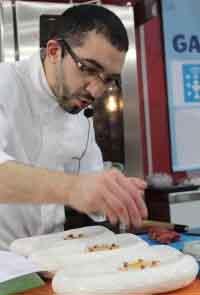 Cocinero participando en el concurso Xantar