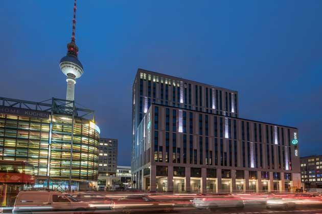 Fachada del Motel One Berlin-Alexanderplatz