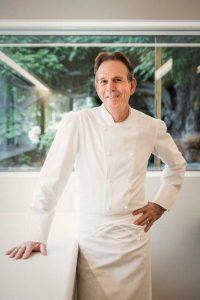 Thomas Keller en su nueva cocina