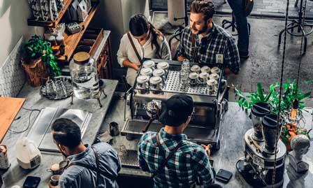 Baristas en una cafetería