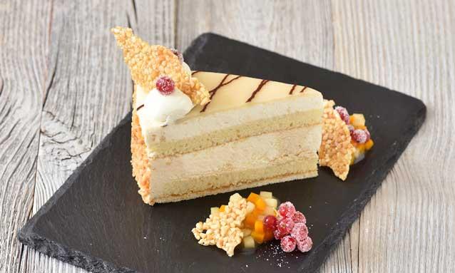 El Pastel de Mazapán de Erlenbacher con crocanti y compota en costra de sal