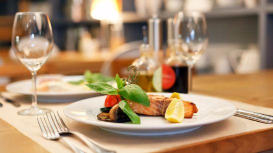 profesionalhoreca tripadvisor plato de salmón en un restaurante