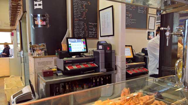 El establecimiento madrileño ha instalado dos sistemas CashGuard