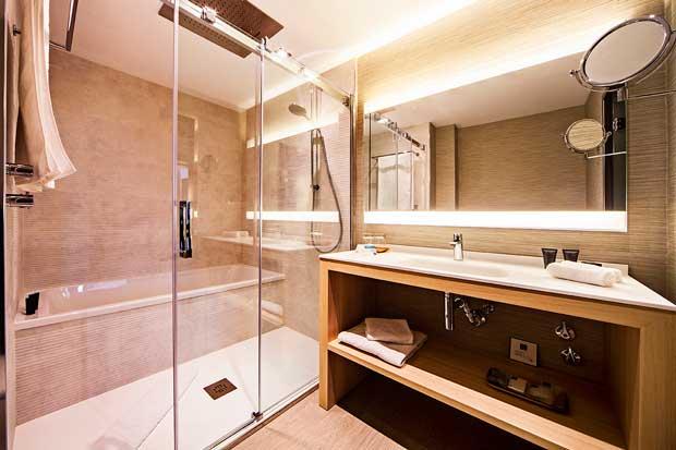 Revestimientos Keraben en los baños del AC Hotel Cuzco
