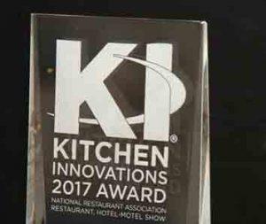 Trofeo delos Kitchen Innovation Awards que otorga la Asociación Americana de Restaurantes (NRA)