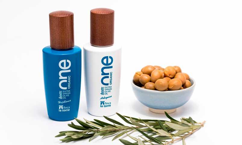 Los aceites monovarietales One Organic Hojiblancay One Organic Arbequina de Finca La Torre