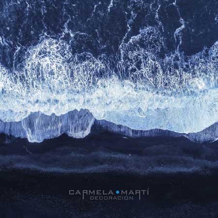 Carmela Martí recrea el mar sobre los textiles, gracias a la impresión digital