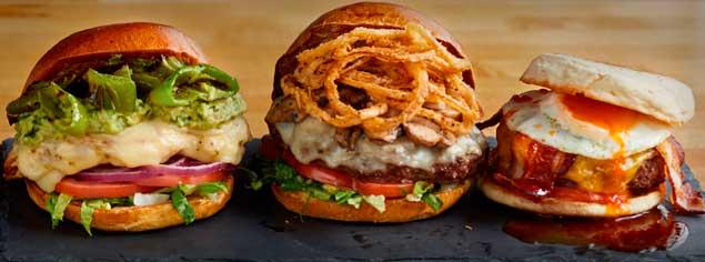 hamburguesas premium de The Counter, hechas al momento con los ingredientes a gusto del consumidos