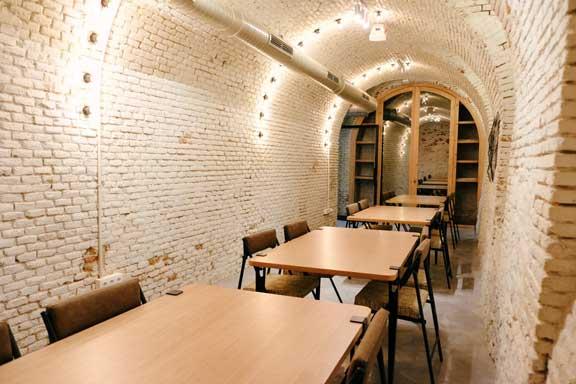 El salón-restaurante del centro