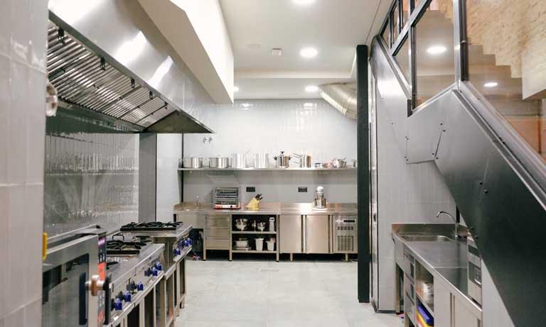 La cocina de Foodlab, con equipamiento de última generación