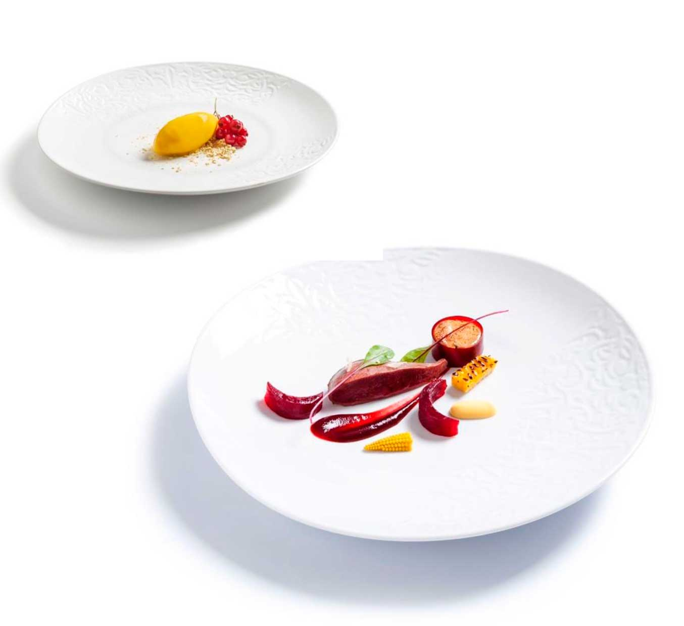 """Platos de la vajilla """"Naiz"""", de Diego Guerrero, que forman parte de la Chef's Colletion de Vista Alegre"""