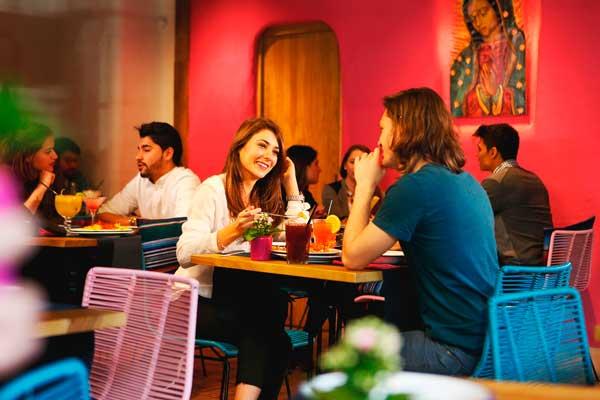 Interior de un restaurante La Chelinda