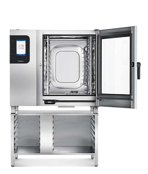 El hornoConvotherm 4 easyTouch con el dispositivo ahumador en su interior
