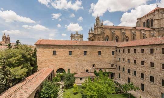 Fachada del hotel Hospes Palacio de San Esteban, en Salamanca