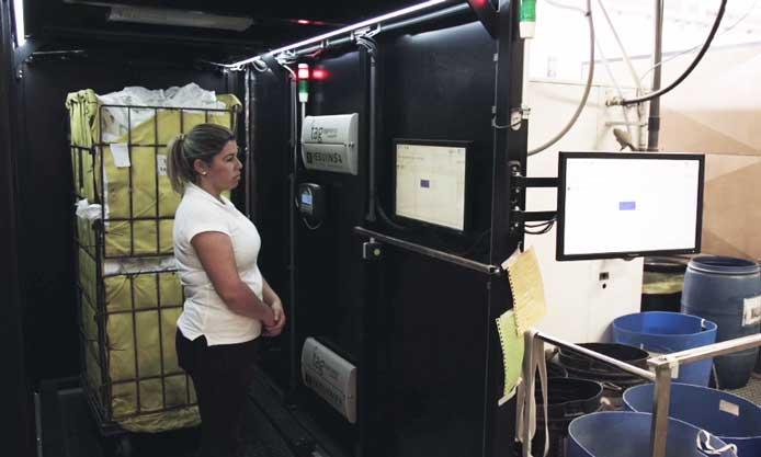 Instalación de textiles inteligentes hecha por Resuinsa en una lavandería