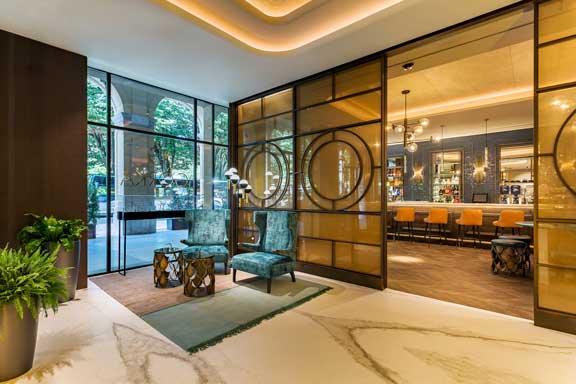 El lobby del hotel Room mate Gorka