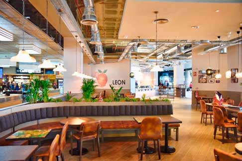 La sala del restaurante Leon en el aeropuerto de Gran Canaria