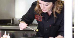 """""""Nosotras también cocinamos"""": la línea femenina de Begoña Rodrigo y Uniformes Roger"""