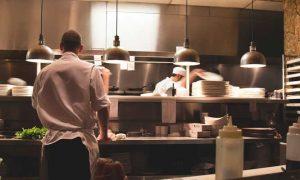 cocineros en una cocina- Profesional horeca