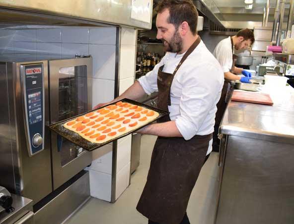 Horno Rational en la cocina de Can Bosch - Profesional Horeca