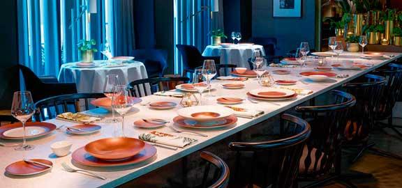 Mesa restaurante con vajilla Copper Glow - Villeroy & Boch - Profesionalhoreca