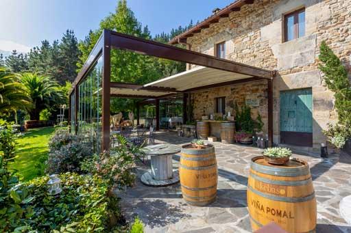 Comiendo con vistas: la solución KE para la terraza del restaurante Akebaso (Vizcaya)