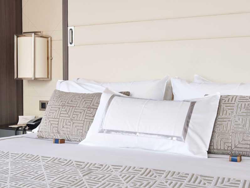 cama - hotel VP Plaza España - profesionalhoreca