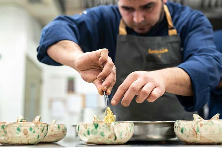 Sergio Hernández - Ramen de cocido madrileño - Latasia - receta ganadora - Campeonato de España de Cocidos del siglo XXI - profesionalhoreca