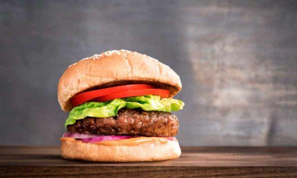 Beyond Burger: la hamburguesa vegetal que parece (y sabe) a carne