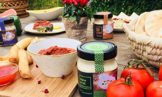 Tradicional, de ajo negro, de trufa... los hummus de Taste Shukran para restauración