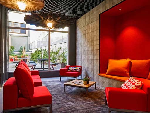 Profesionalhoreca, hotel Ibis Barcelona 22@, lobby