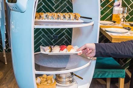 Profesionalhoreca, robot camarero Peanut, robot Cacahuete