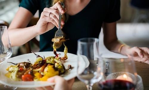 El 33,5% del gasto en alimentación ya se realiza fuera del hogar