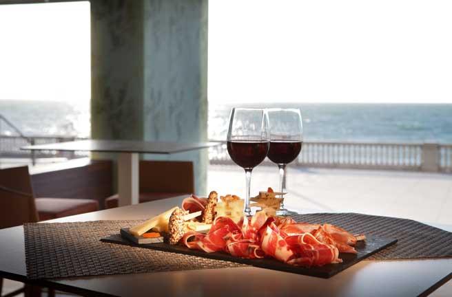 Profesionalhoreca, tapas en el nuevo restaurante La Tacita del Atlántico, del Parador de Cádiz