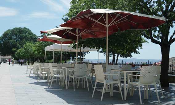 Profesionalhoreca, terraza sostenible de Coca-Cola, hostelería, parasoles, sombrillas