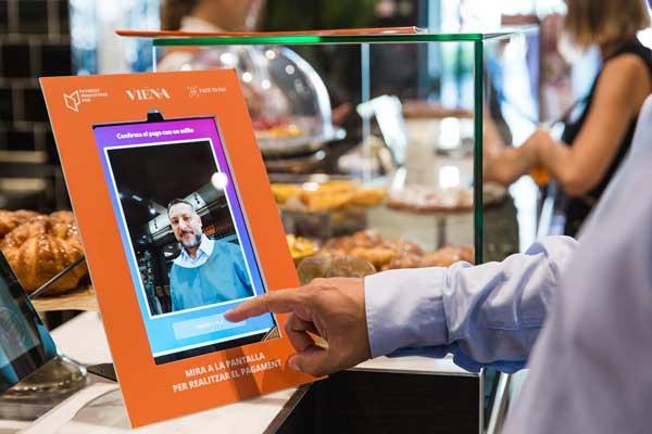 Profesionalhoreca, pago biométrico o por reconocimiento facial en un restaurante Viena de Barcelona