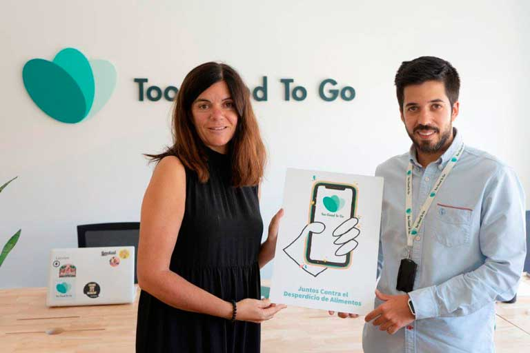 Profesionalhoreca, Eva Jorge, socia fundadora de WeSaveEat, y Oriol Reull, country manager de Too Good To Go en España