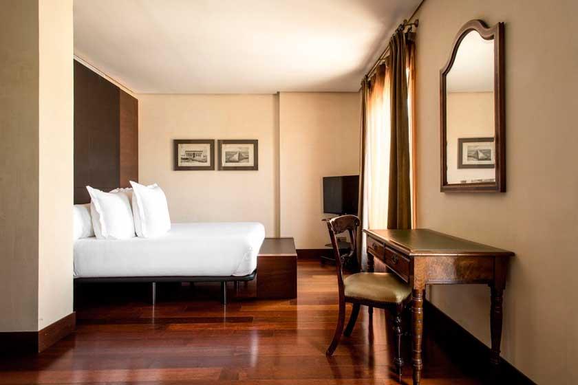 Profesionalhoreca, Habitación del madrileño hotel Villa Real, de World Hotels