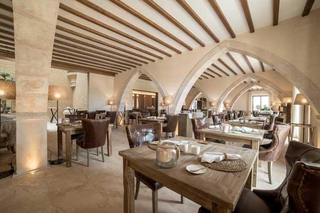 Profesionalhoreca, restaurante Cova Negra del hotel Creu de Tau Art & Spa