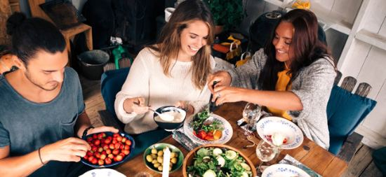 profesionalhoreca, menus cómodos y naturales, comiendo en restaurante, casual food
