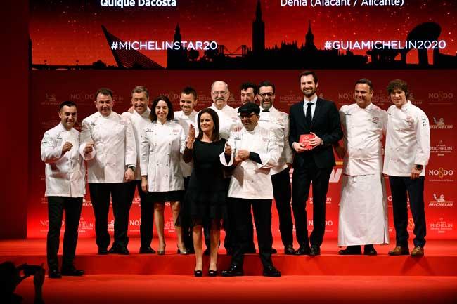 Profesionalhoreca, Jesús Sanchez y su esposa, Marián Martínez, con el resto de chefs con estrellas Michelin