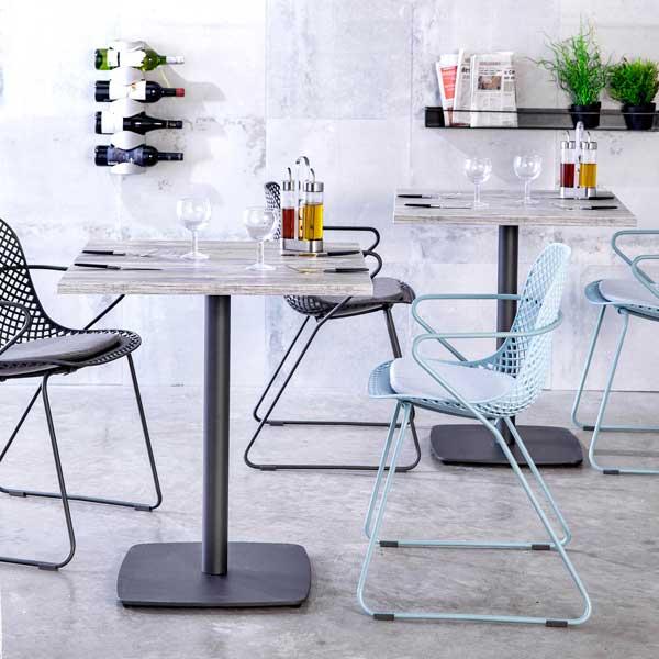 Profesionalhoreca, sillas Ramatuelle, mesas con tablero Lamidur, de Grosfillex